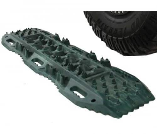 Tyre traction ramps for vehicle recovery